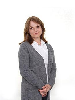 Mitarbeiterin Fella Barbara seitlich